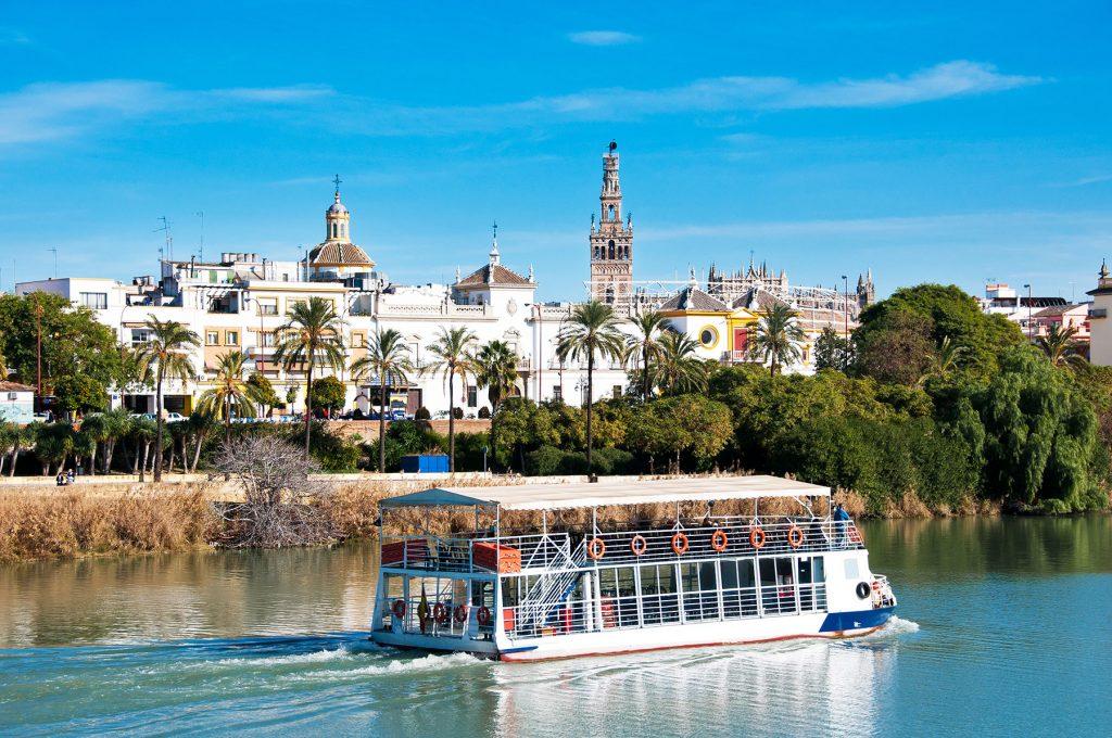 Paseos-en-Barco-en-Sevilla-Apartamentos-en-Sevilla